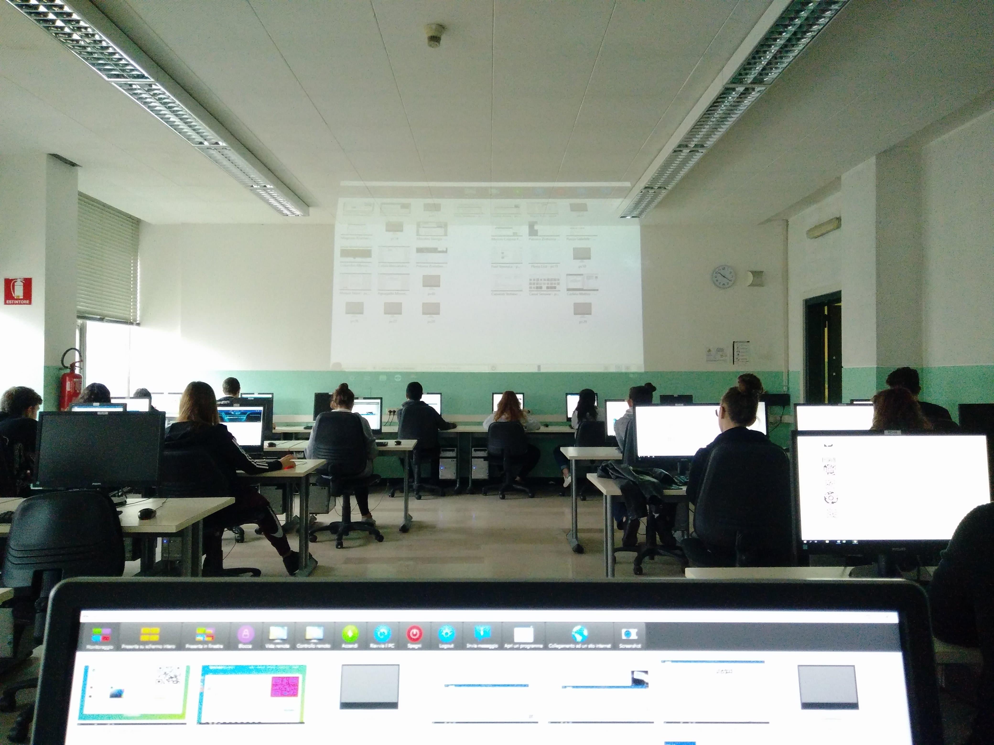 laboratorio informatica biennio